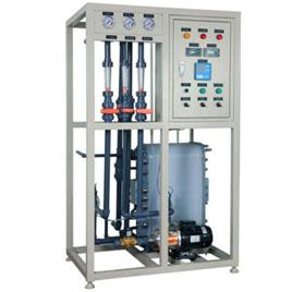 去(qu)離子水設備